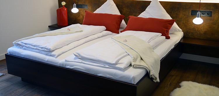 Quartier Romantisch Bett